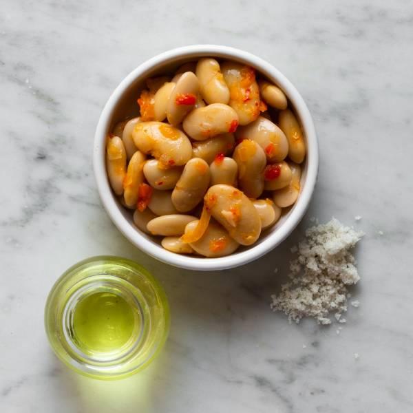 Haricots maïs du béarn marinés au vinaigre, poivron et oignons