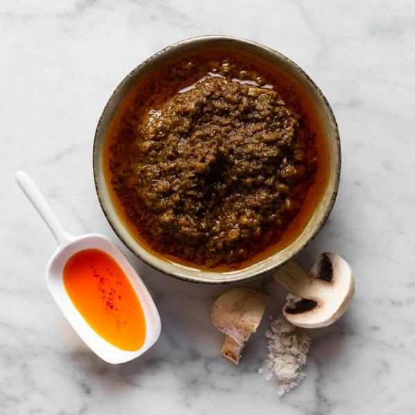 Pesto de champignons à l'huile infusée au piment d'espelette 130g.